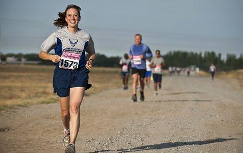 L'autonomisation, l'amour et une série de courses de 36 ans lors de la première course sur route féminine au monde: course à pied  – Running