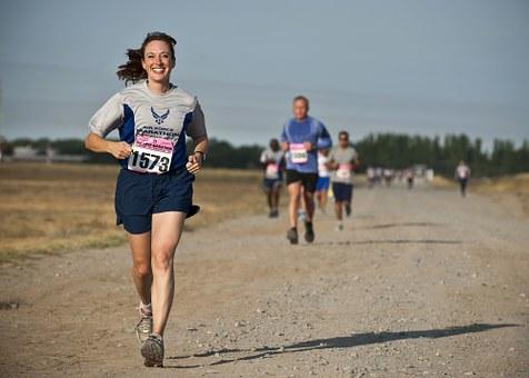 course à pied vitesse moyenne femme pour footing rapide – Copy