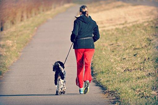 course à pied et sciatique footing le matin – Copy