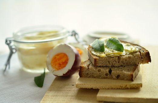 Calories du pain bretzel, la valeur nutritive et vertues..