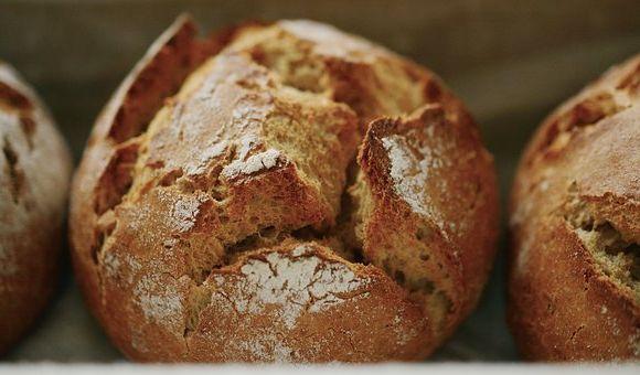 Calories du pain epeautre, la valeur nutritive et bénéfices pour la santé