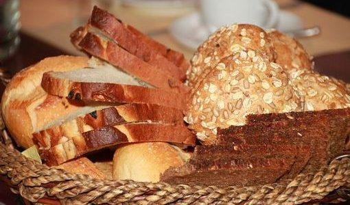 Calories du pain au mais, chiffres nutritive et vertues pour la santé
