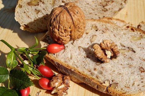 Calories du pain français, la valeur nutritive et vertus pour la santé